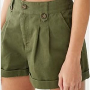 Cuffed Pleated Shorts from Forever 21 in Olive